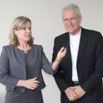 Dom Leonardo recebe ministra-chefe da Casa Civil, Gleisi Hoffmann