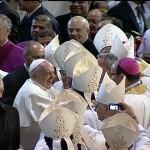 Pontífice participou de celebração para religiosos.
